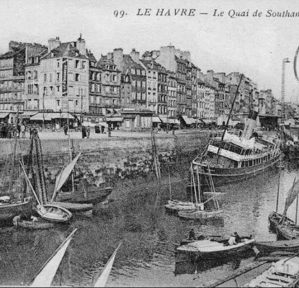 Le Quai de Southampton, Le Havre | Source: https://upload.wikimedia.org/wikipedia/commons/2/26/76-Le_Havre-Quai_de_Southampton-ann%C3%A9es_20.jpg