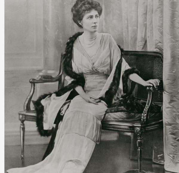 Lady Munro Ferguson B 3862 | Source: Lady Munro Ferguson B 3862