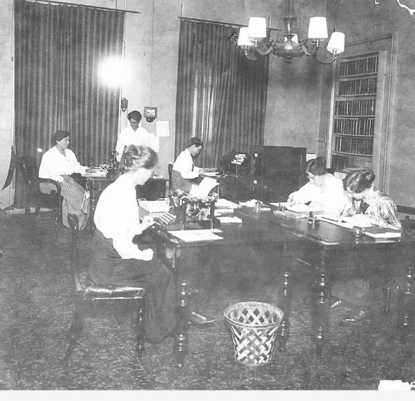 Volunteers at Red Cross Headquarters SRG 770/40/308 | Source: Volunteers at Red Cross Headquarters SRG 770/40/308