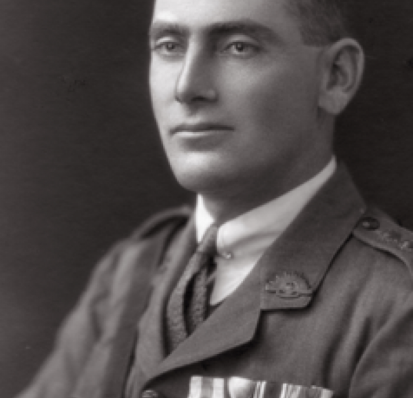 Frank Treloar posing for his army profile picture  | Source: personal collection